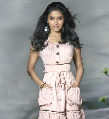 Asin Thottumkal Cute Sexy Awesome Face Still