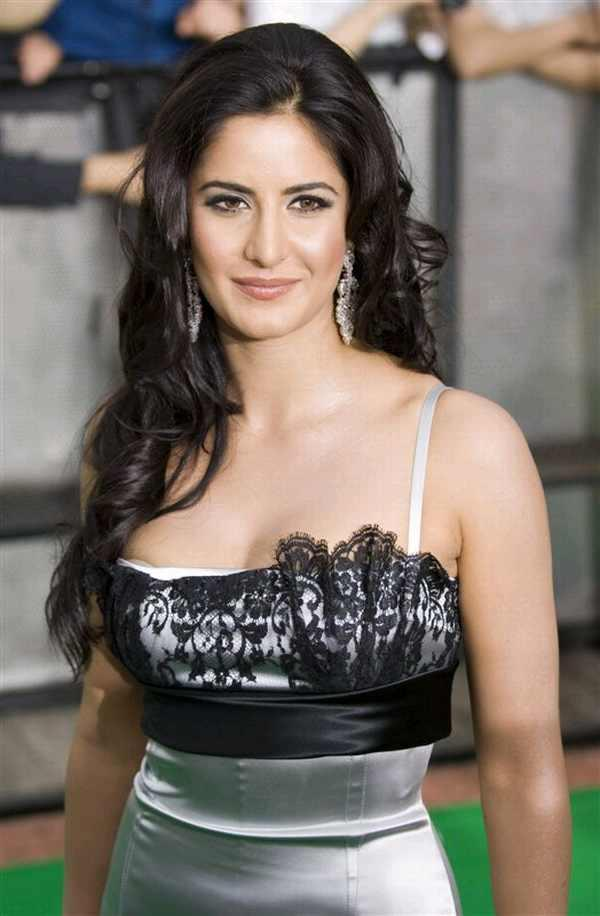 Stunning Babe Katrina Kaif Beauty Still
