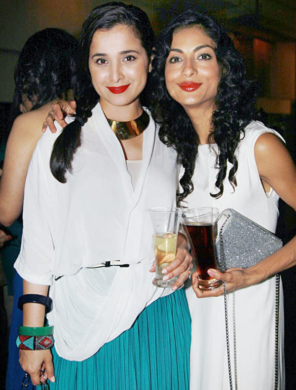 Simone Singh,Apeksha Nanda Red Sweet Lips Still
