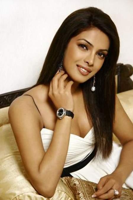Priyanka Chopra Simple And Nice Pic