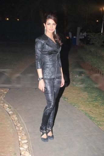 Priyanka Chopra Simple Pic