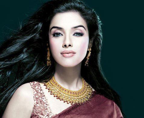 Asin Thottumkal Looking Very Beautiful