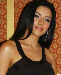 Impressive Actress Asin Thottumkal Still