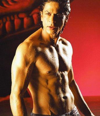 Shahrukh Khan Sexy And Hot Body Show In Om Shanti Om