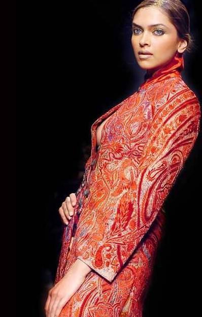 Deepika Padukone Hot Stylist Pic