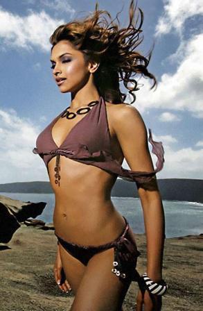 Deepika Padukone Posing Happy Extremly Hot Bikini