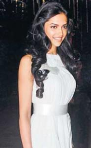 Deepika Padukone Sexy Dress Gorgeous Pic