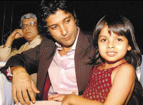 Farhan Akhtar With Daughter