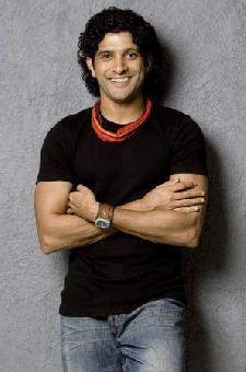 Farhan Akhtar Sweet Smile Pic In Black T Shirt and Jeans