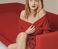 Drew Barrymore Without Dress Wet Pose Hot Beauty Still