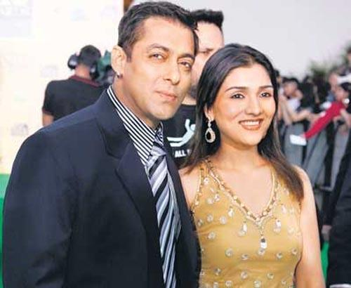 Salman With Narmada Ahuja At IIFA