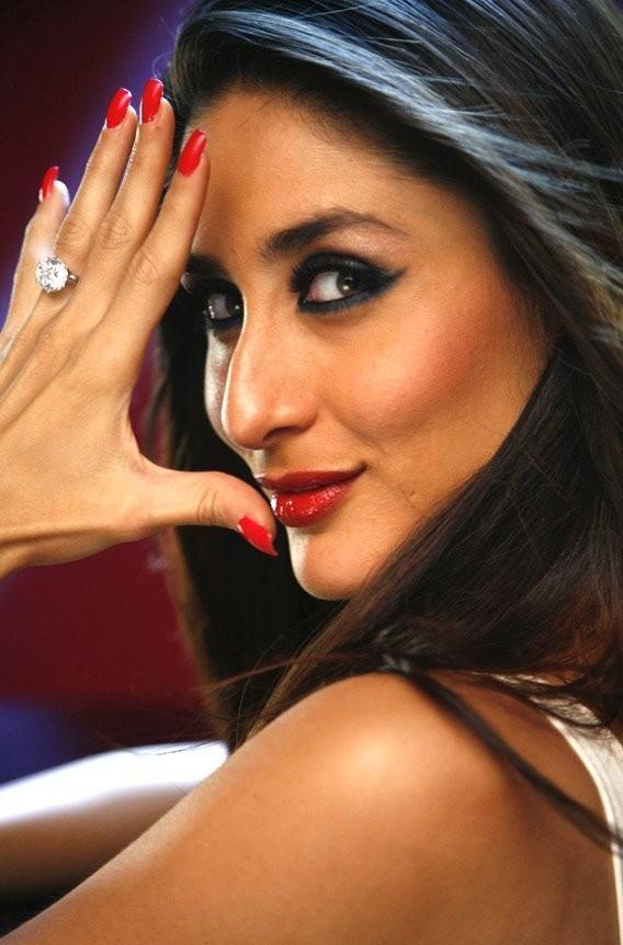 Kareena Kapoor Sexy Look Pic