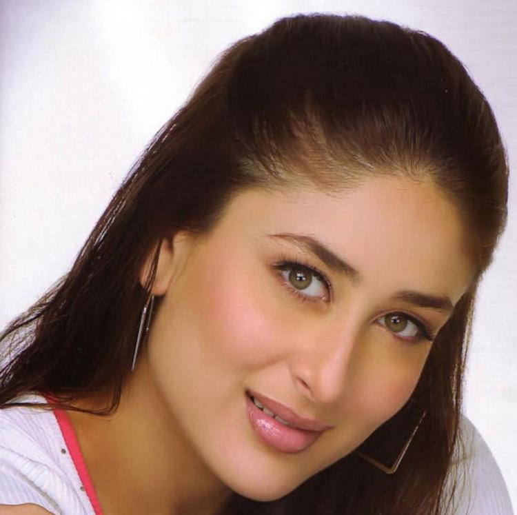 Kareena Kapoor Sweet and Cool Look Still