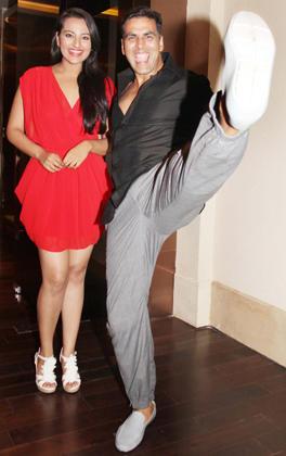 Akshay Kumar and Sonakshi Latest Still