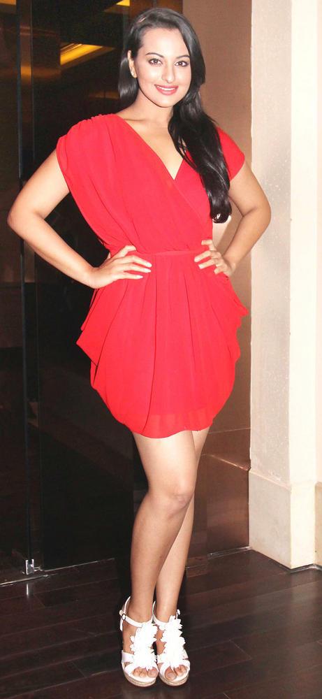 Gorgeous Sonakshi Sinha At Her Bithday Bash