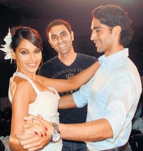 Bipasha Basu Dancing Pic