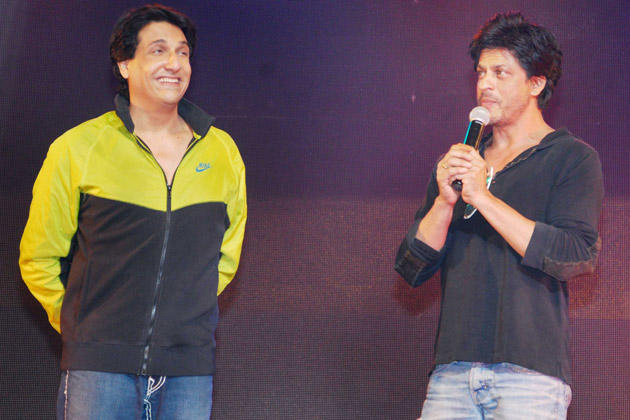 Shiamak And Shahrukh On Stage
