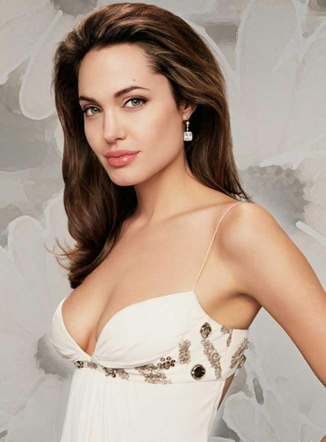 Hollywood Beauty Angelina Jolie 37th Birthday