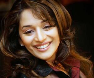 Madhuri Dixit Beautiful Smile Pic