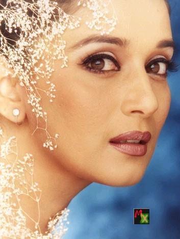 Madhuri Dixit Hot Sexy Eyes Pic