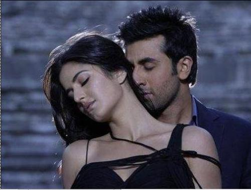 Ranbir With Katrina Kaif Hot Kissing Scene In APKGK