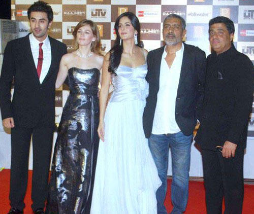 Ranbir,Katrina Kaif And Others At Rajneeti Press Meet