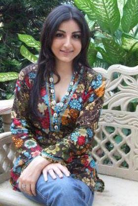 Soha Ali Khan Glamour Look Pic