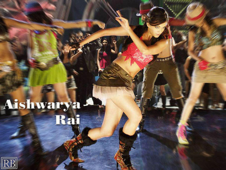 Aishwarya Rai Dancing Pose Wallpaper
