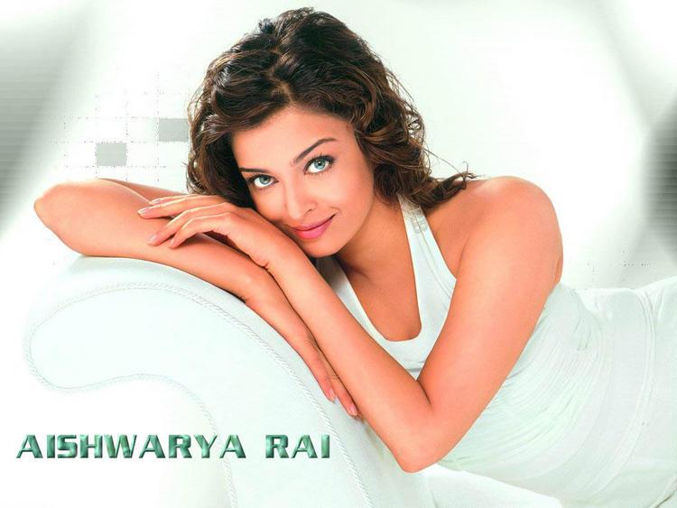 Aishwarya Rai Hot Spicy Wallpaper