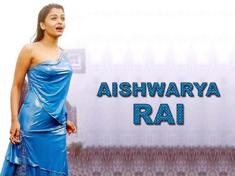 Aishwarya Rai Sexy Dress Hot Pic