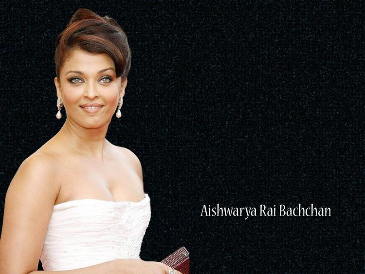 Aishwarya Rai Strapless Dress Hot Shiny Pic