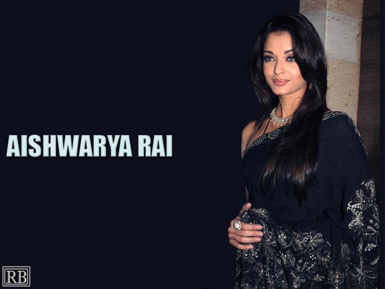 Aishwarya Rai Sweet Gorgeous Pic In Saree