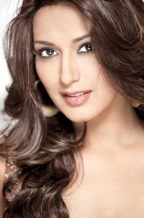 Beautiful Sonali Bendre Pic For Oriflame