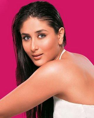 Kareena Kapoor Romantic Look Picture
