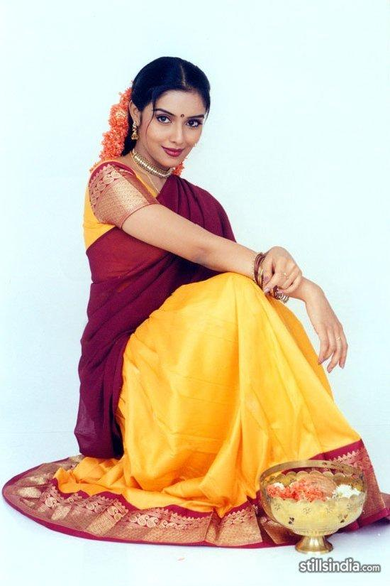 Asin Thottumkal South Indian Look Awesome Pic