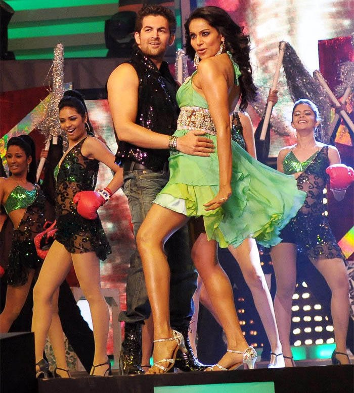 Actress Bipasha and Neil Dancing Pic