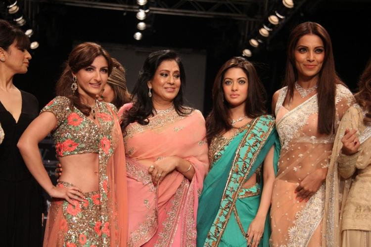 Soha Ali Khan,Mamta,Ria Sen and Bipasha Basu at IIJW