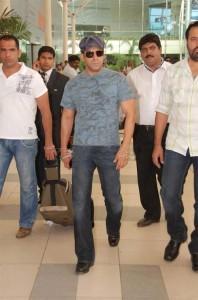 Salman Wear Goggles Stylist Stills
