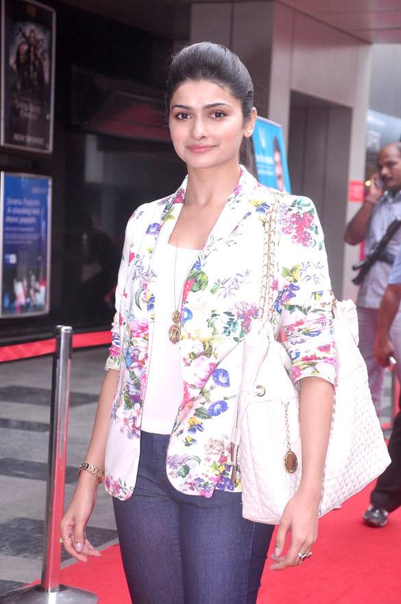Prachi Desai Glamour Look Pic