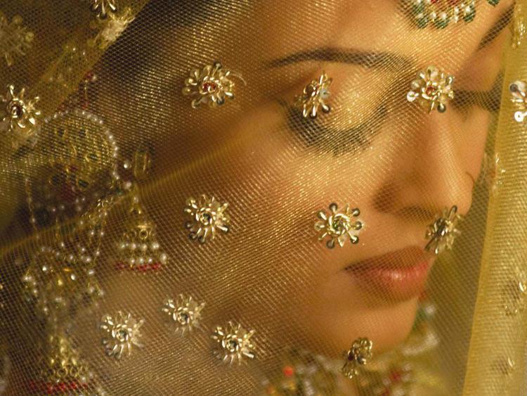 Aishwarya Rai Very Cool Wallpaper