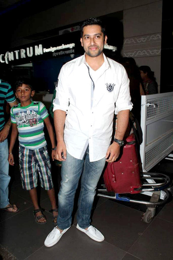 Aftab Shivdasani Leave For Singapore To IIFA Awards