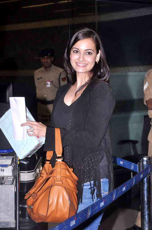 Dia Mirza At Airport