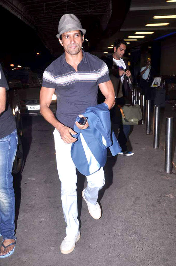 Farhan Akhtar At Airport To Leaving Town For IIFA