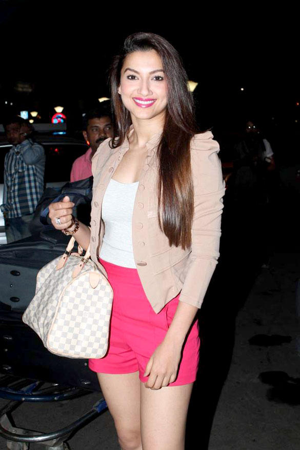 Gauhar Khan Glamour Look At Airport