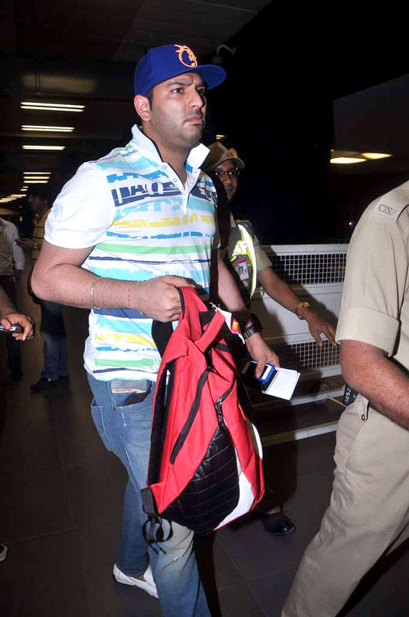Yuvraj Singh Leaves For IIFA