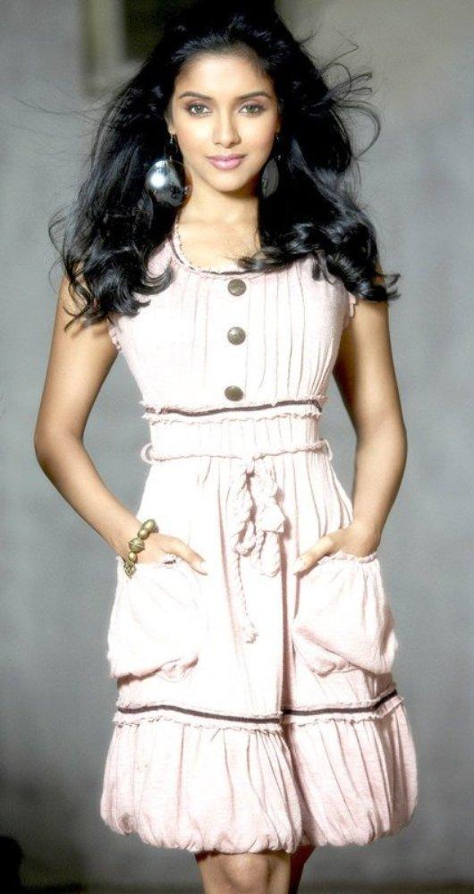 Asin Thottumkal Looking Very Cute