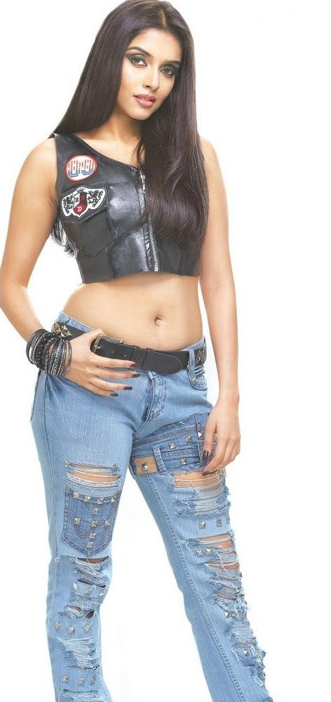 Asin Thottumkal Looks Hot In Short Tops and Tight Jeans