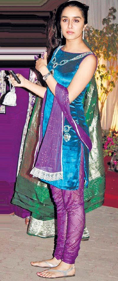 Shraddha Kapoor Beautiful Look In Salwar Suit