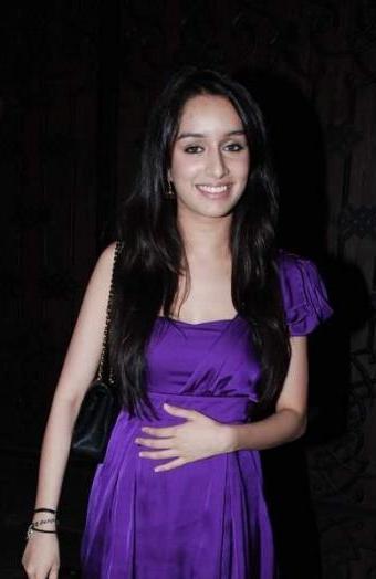 Shraddha Kapoor Wear Purple Dress Hot Pic