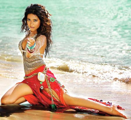 Amrita Rao Latest Sexy and Bold Pic On The Beach